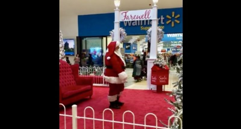 WATCH: Woman Challenge Santa's Identity Loudly at Mall