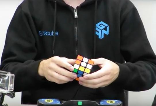 Insane… Kid Solves Rubik