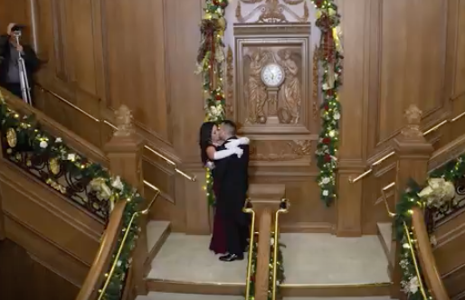 Watch Man Ask Girlfriend To Marry Him With Elaborate 'Titanic' Themed Proposal